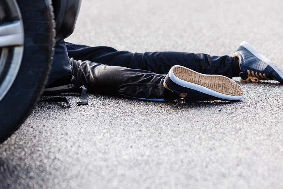 Der Junge wurde von einem Opel erfasst und verletzt. (Symbolbild)