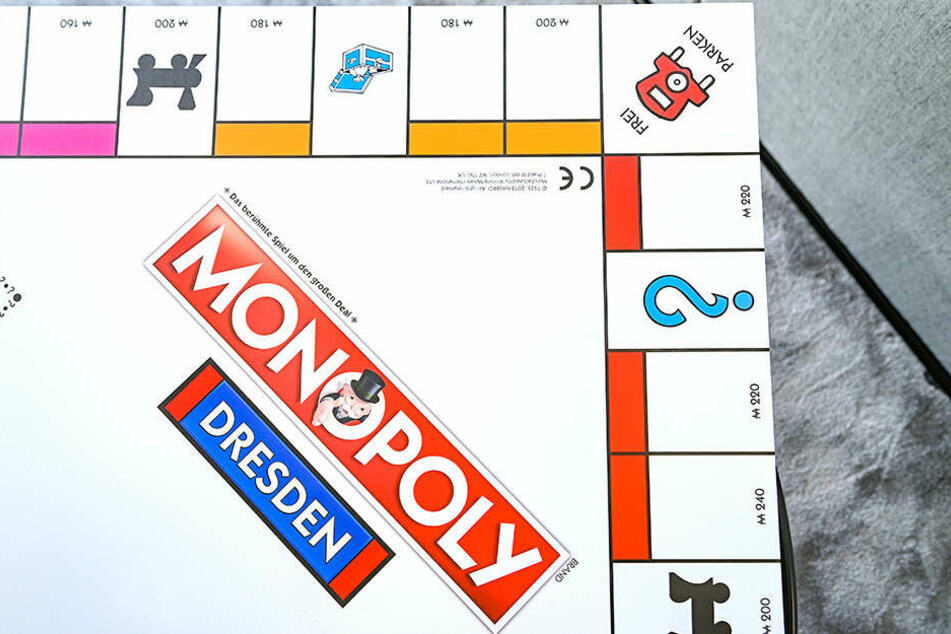 Vorschläge wie das Spielbrett aussehen soll, können online gemacht werden.