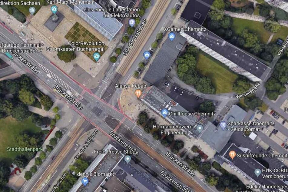 Die Messerstecherei ereignete sich an der Ecke Brückenstraße/Straße der Nationen.