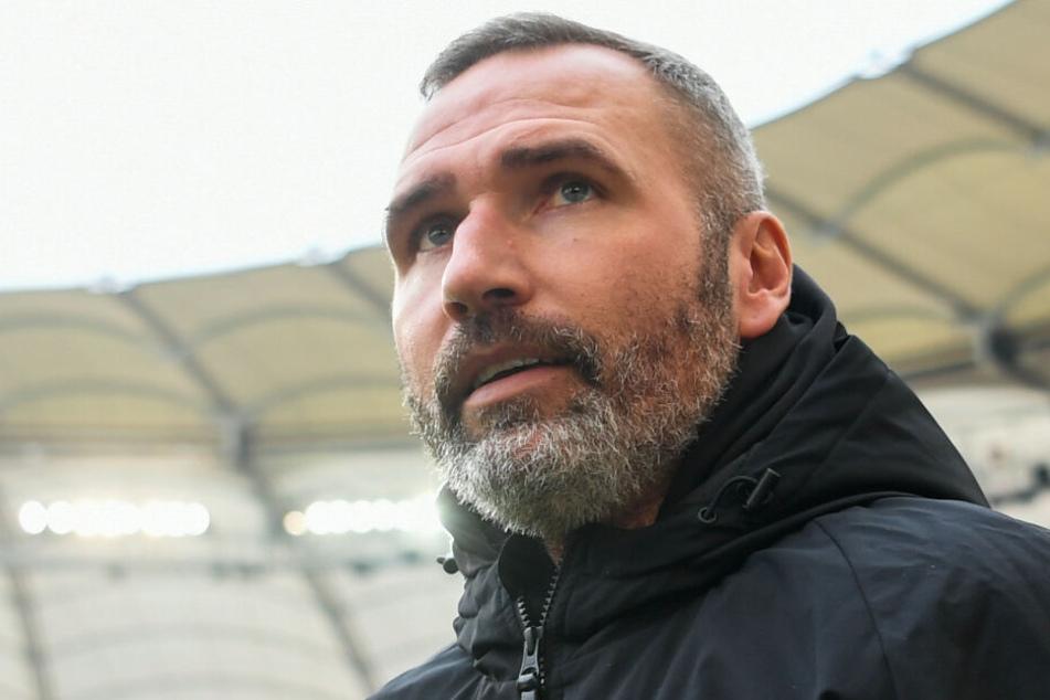 Der Blick in eine unsichere Zukunft? VfB-Coach Tim Walter steht ordentlich unter Druck.