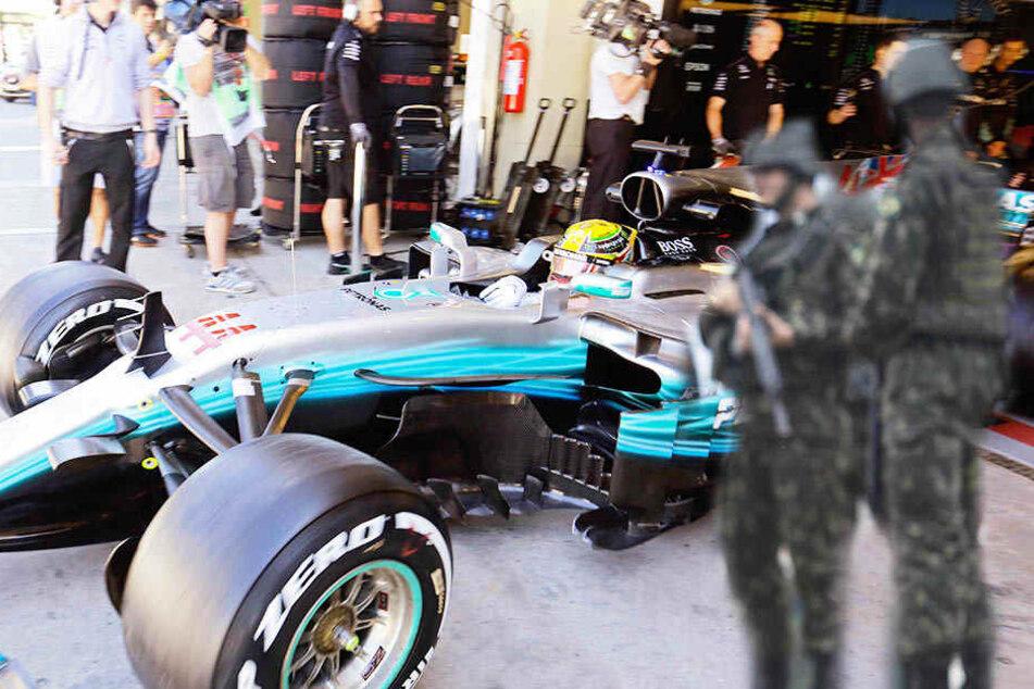 Der Teambus des Mercedes-Rennstalls wurde vor dem Grand Prix von Brasilien überfallen. (Symbolbild).