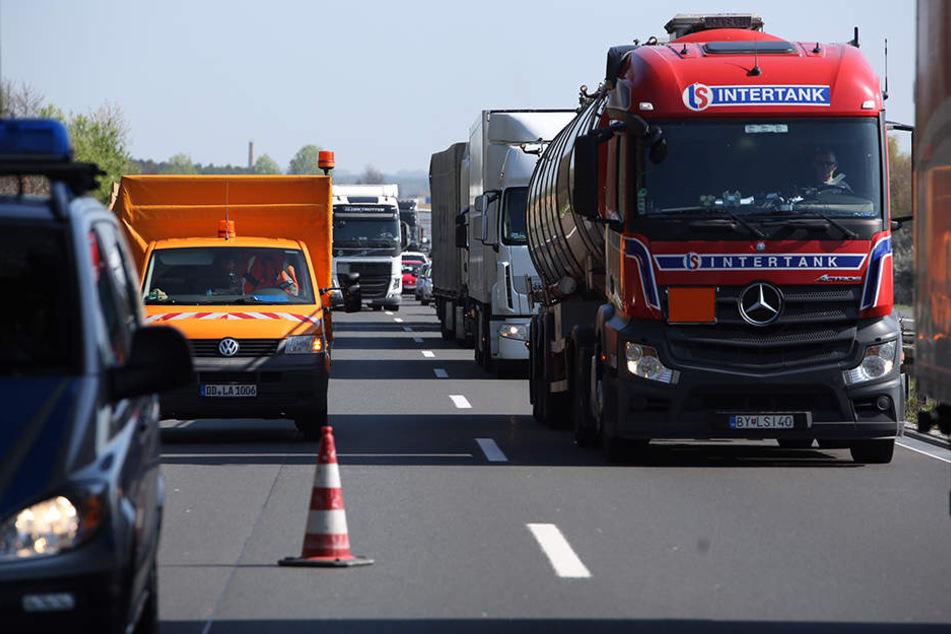 Wegen des Unfalls wurde kam es zu einem kilometerlangen Stau auf der Autobahn.