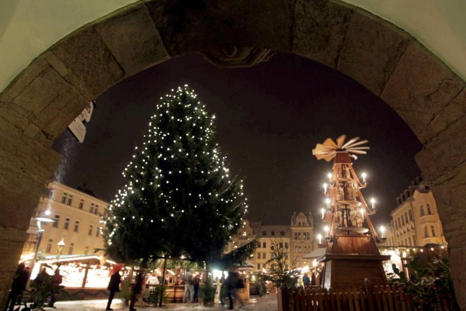 Um 17.45 Uhr ist es auch in Plauen soweit, der diesjährige Weihnachtsmarkt wird eröffnet.