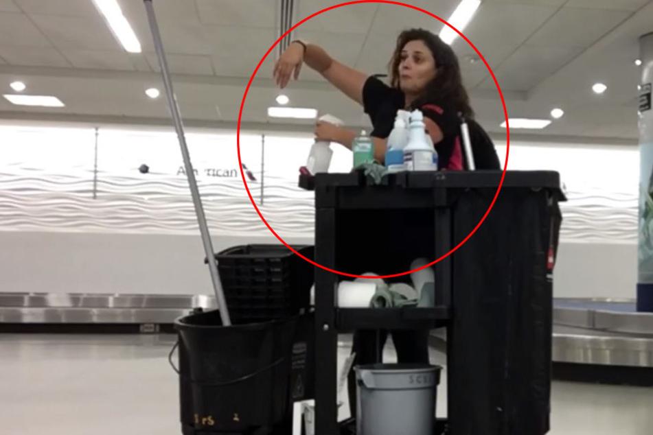 Als diese Frau die Nacht auf dem Flughafen verbringen musst, kommt sie auf eine geniale Idee