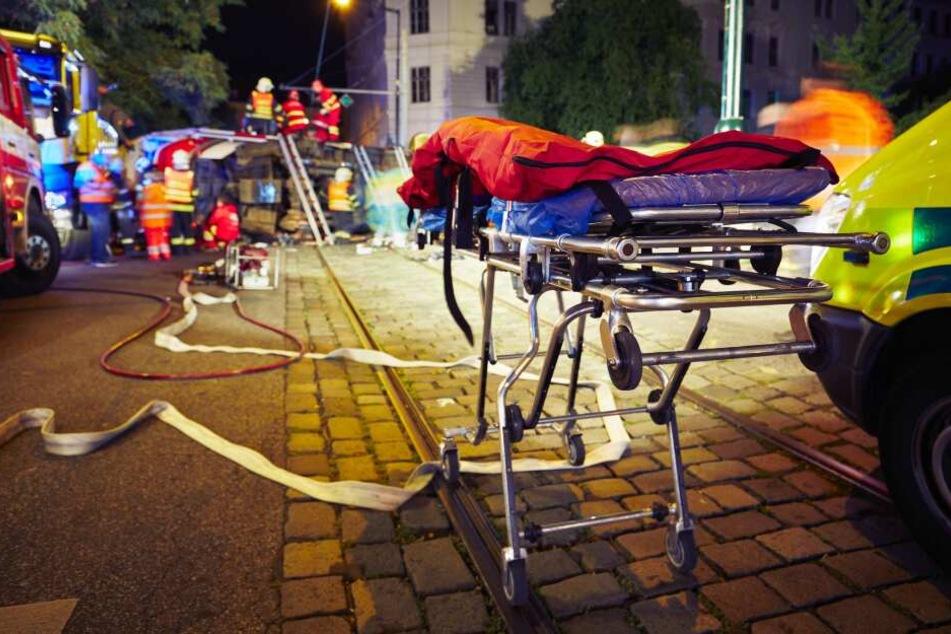 Die Seniorin (78) erlitt schwere Verletzungen und musste im Krankenhaus operiert werden. (Symbolbild)