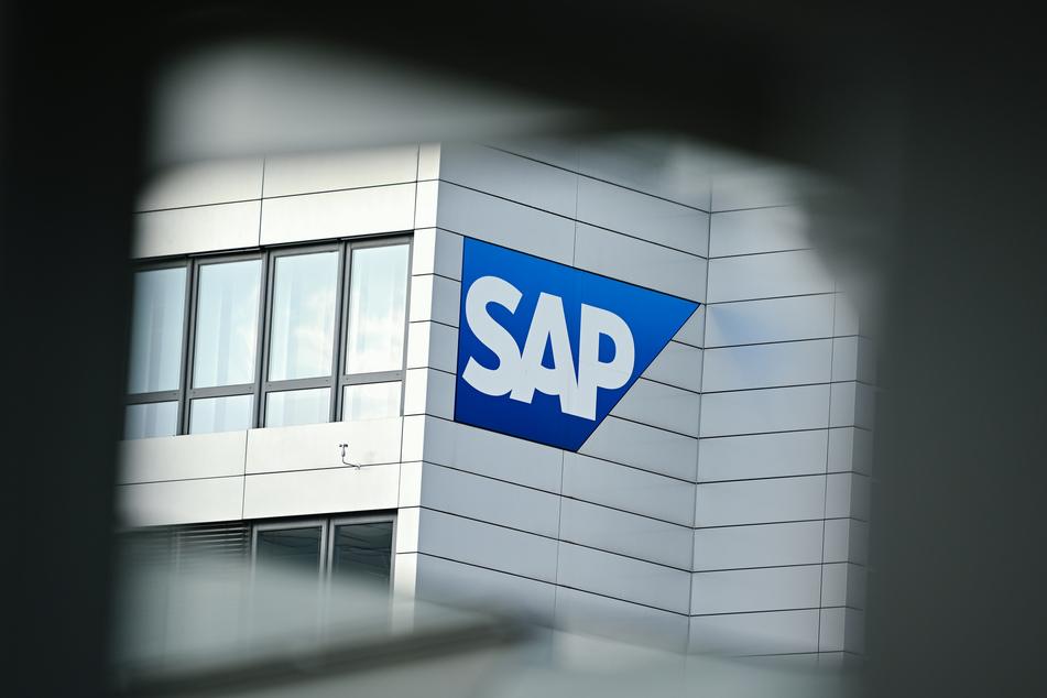 SAP und Telekom sollen die Corona-App entwickeln. (Symbolbild)