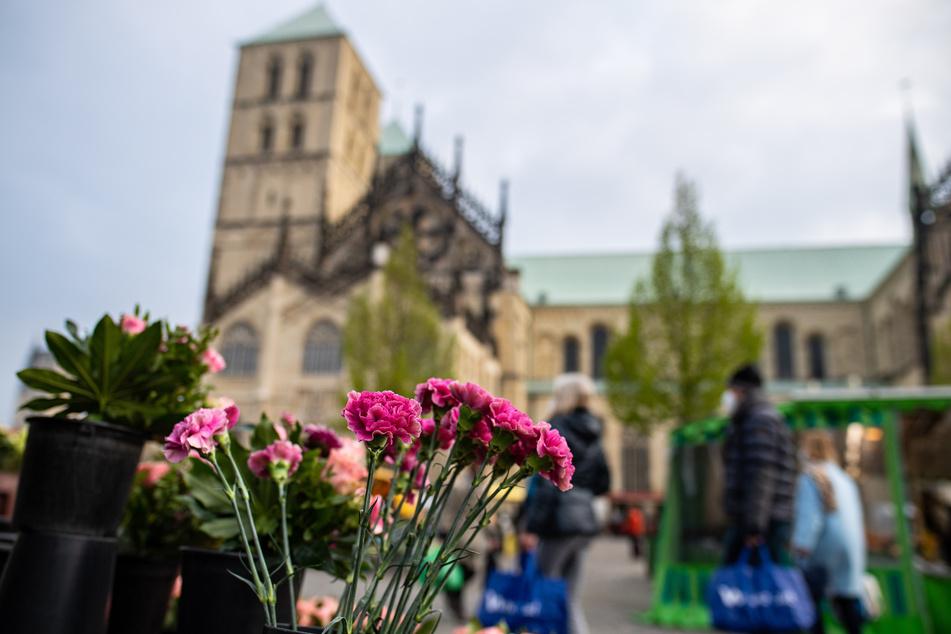 Die Stadt Münster bereitet sich auf die Öffnung der Außengastronomie an diesem Wochenende vor.
