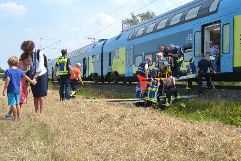 Bahn überprüft Zugunglück mit Oberleitung