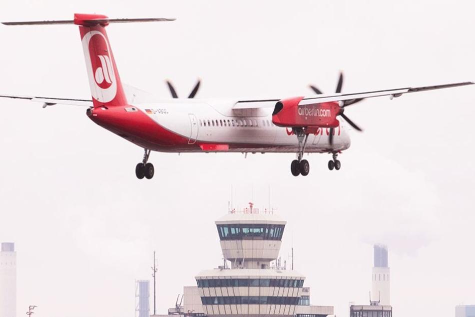 Eine Propellermaschine von Bombardier hatte bei der Landung eine Fehlermeldung am Fahrwerk (Symbolbild).