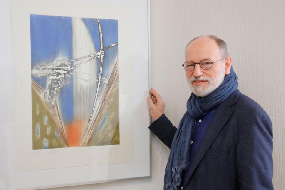 Der Chemnitzer Künstler Christian Lang (67) hat auf den Gängen des Landgerichts eine Ausstellung eröffnet.