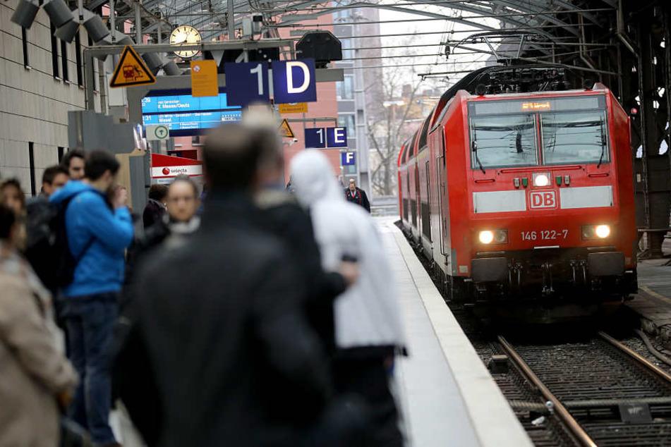 Die Züge der Bahn zwischen Köln und Düsseldorf müssen teilweise umgeleitet werden