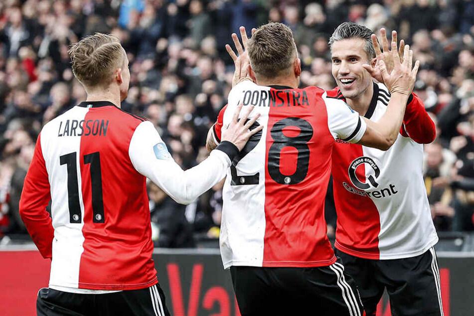 Altmeister Robin van Persie drehte gegen Ajax groß auf: Der Feyenoord-Stürmer traf zweimal und war an vielen weiteren Offensivaktionen beteiligt.