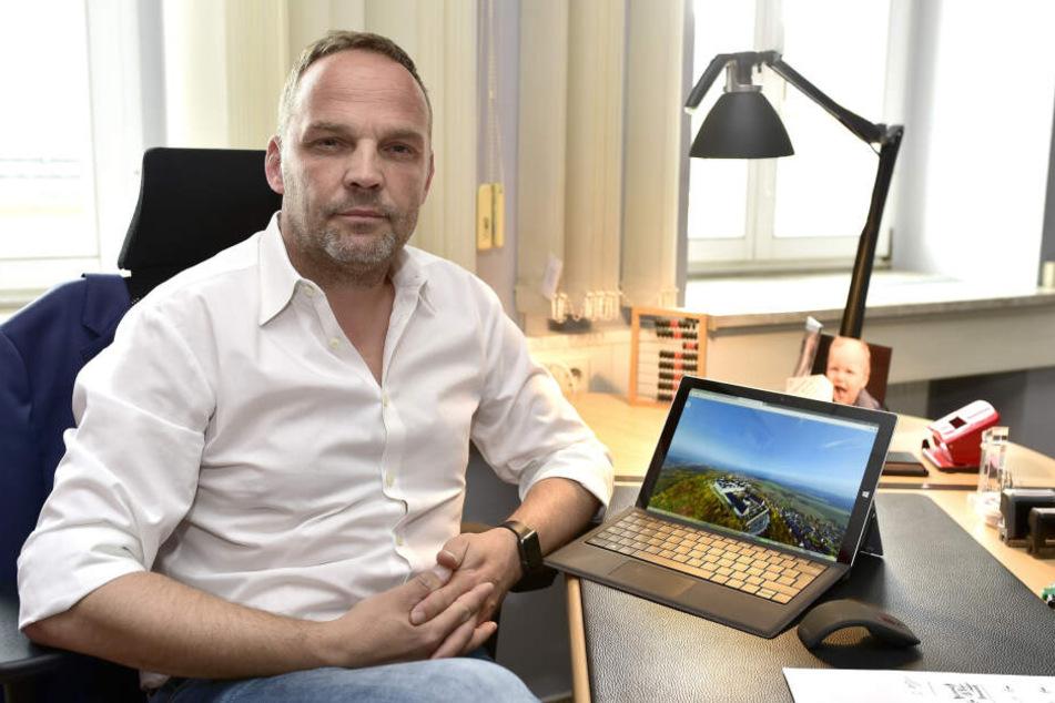 Augustusburgs Bürgermeister Dirk Neubauer (47, SPD) sucht nach Ideen für mehr Mobilität.