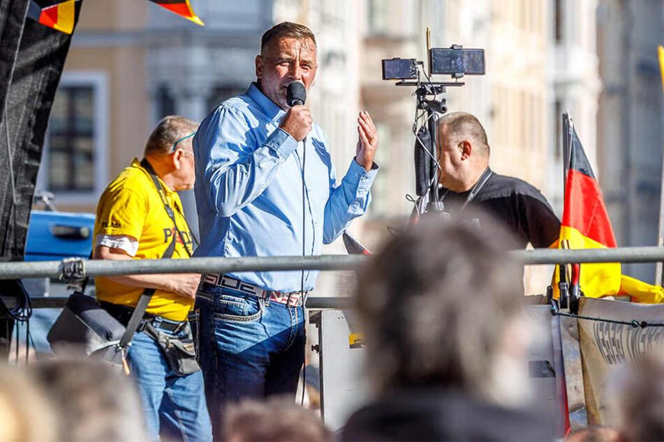 Lutz Bachmann (46) hielt vor Ort eine Rede.
