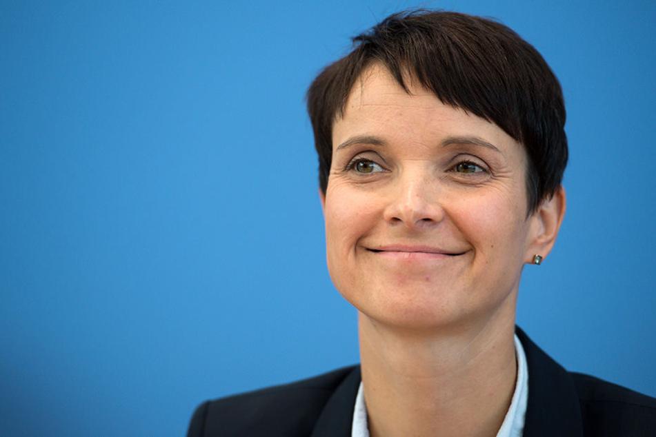 "Enthüllt! Frauke Petrys neue Bewegung heißt ""Die Blauen"""