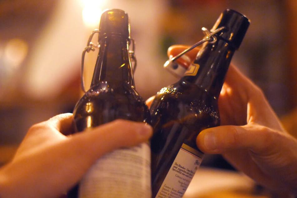 Vor dem Unglück hatte die junge Frau mit zwei anderen Personen Alkohol getrunken. (Symbolbild)