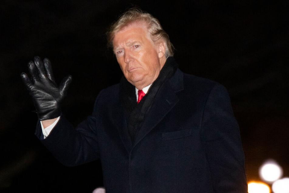 US-Präsident Donald Trump (73) kehrt nach einem Auftritt bei einer Wahlkampfveranstaltung ins Weiße Haus zurück.
