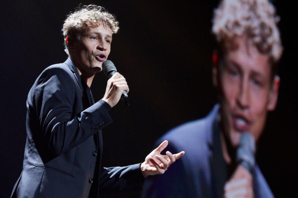 """Sänger Tim Bendzko (34) brachte am heutigen Freitag sein viertes Album """"Filter"""" heraus."""