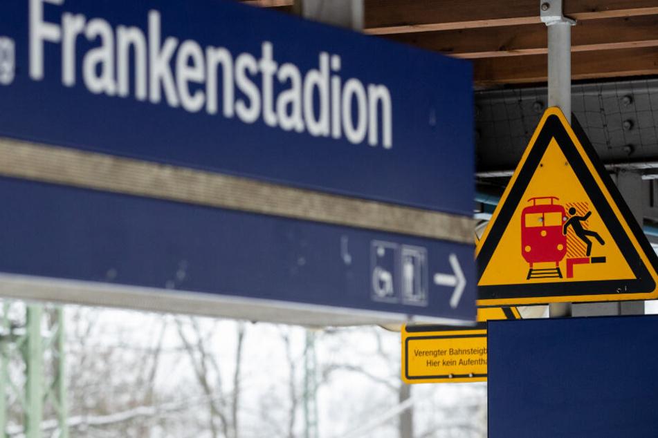 An der S-Bahnstation Frankenstadion sind zwei Jugendliche ums Leben gekommen.