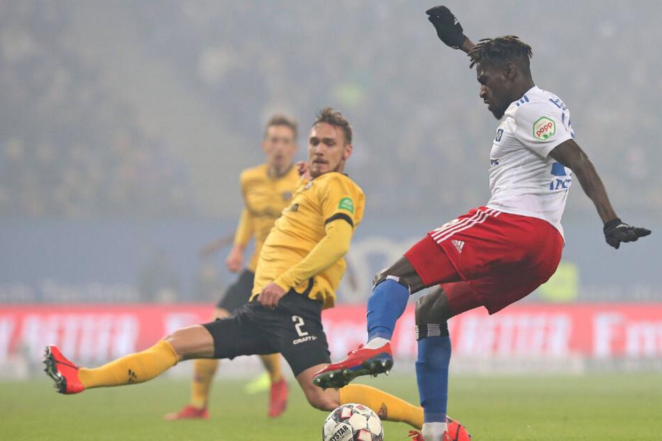 Auf Bakery Jatta (am Ball) müssen Linus Wahlqvist und die anderen Dynamos diesmal nicht aufpassen. Der Hamburger sitzt seine Rot-Sperre ab.