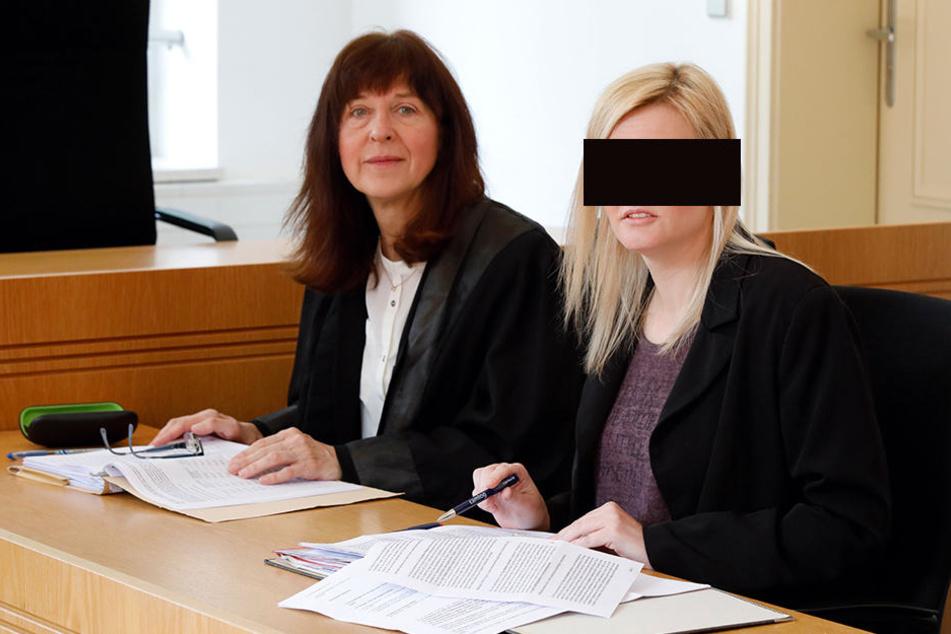 Nicole R. am Montag vor dem Landgericht in Chemnitz