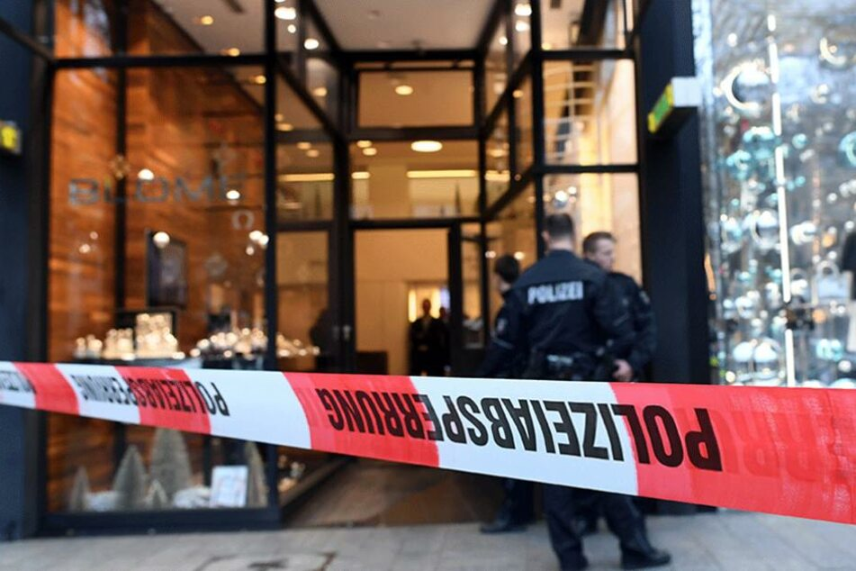 Ein Juwelier am Potsdamer Platz wurde von zwei maskierten Räubern überfallen (Symbolbild).