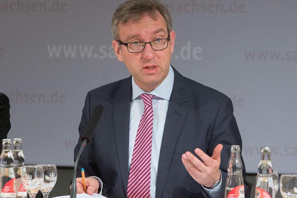 Roland Löffler, Chef der Landeszentrale für politische Bildung, sorgt sich um das weit verbreitete extrem rechte Denken.
