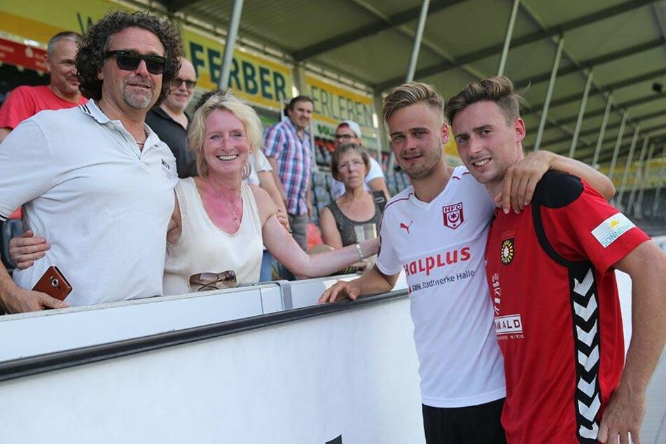 Am Sonnabend wird es in Karlsruhe wieder eine Familienzusammenführung bei den Rösers geben: Vater Bernd (l.) und Mutter Heike werden im Stadion sein, wenn ihre Söhne Lucas für Dynamo und Martin (r.) für Karlsruhe kicken.