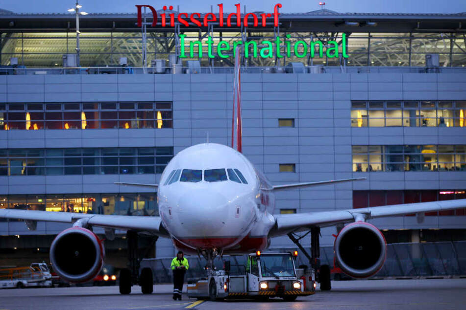 Der Betrüger wurde am Düsseldorfer Flughafen festgenommen.