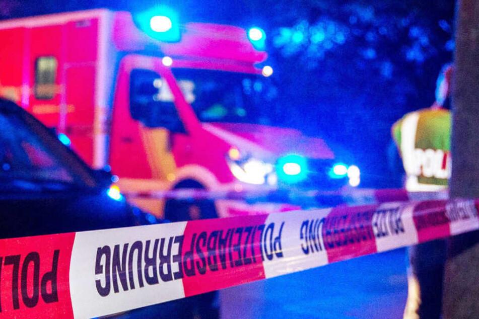 Horror-Crash auf Bundesstraße: Opel-Fahrerin tot, mehrere Verletzte