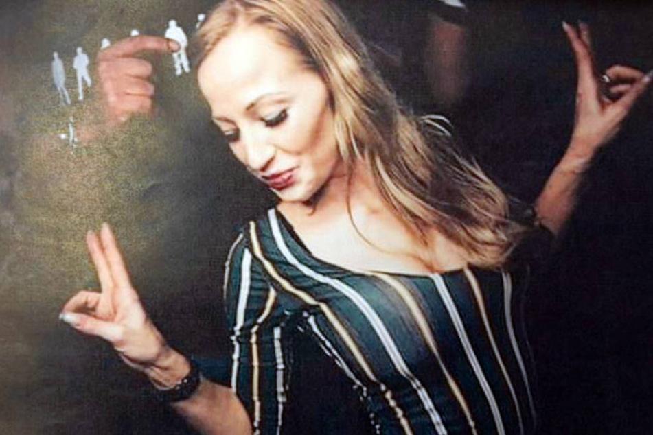 Disko-Besucherin tritt brutal auf 28-Jährige ein: Wer kennt diese Frau?