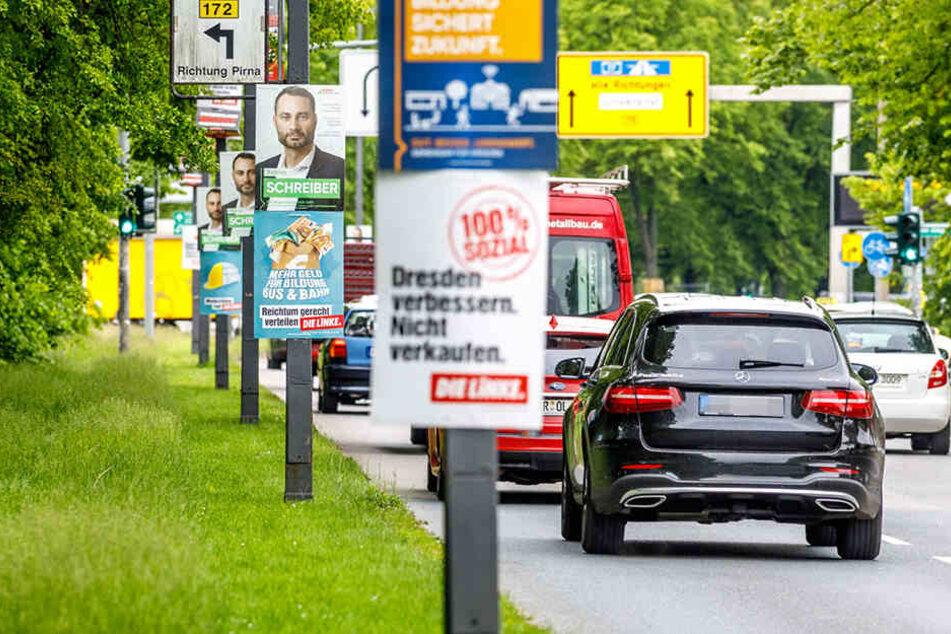 Plakate zur Europa- und Stadtratswahl in Dresden.