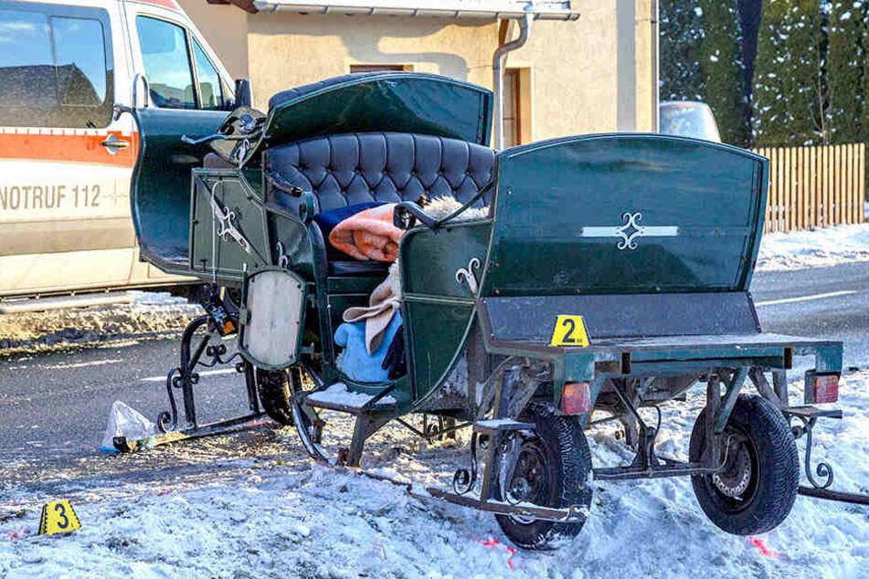 Im Erzgebirge sind zwei Personen nach einem Pferdeschlitten-Unfall gestorben.