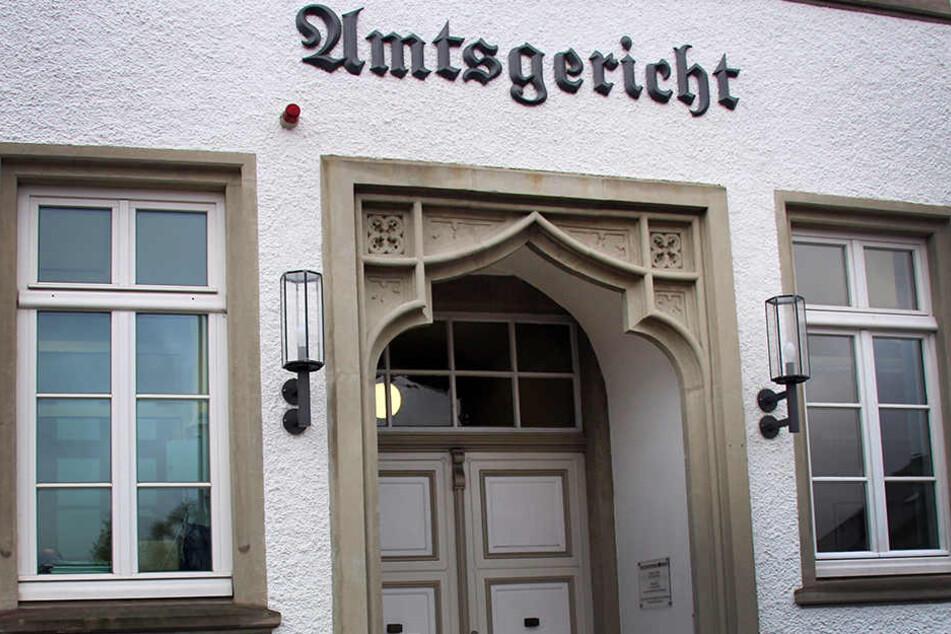 Vorm Amtsgericht in Medebach wird über die Schuld der Jugendamtsmitarbeiterin verhandelt.