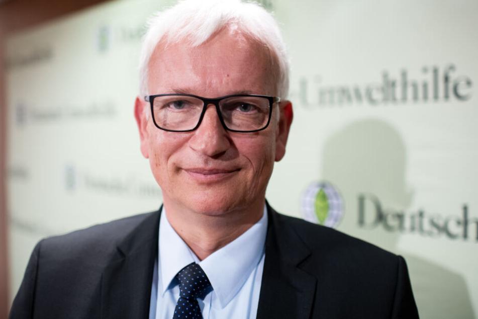 Jürgen Resch, Chef der Deutschen Umwelthilfe, fordert die konsequente Umsetzung des Urteils vom Sommer 2017. (Archivbild)