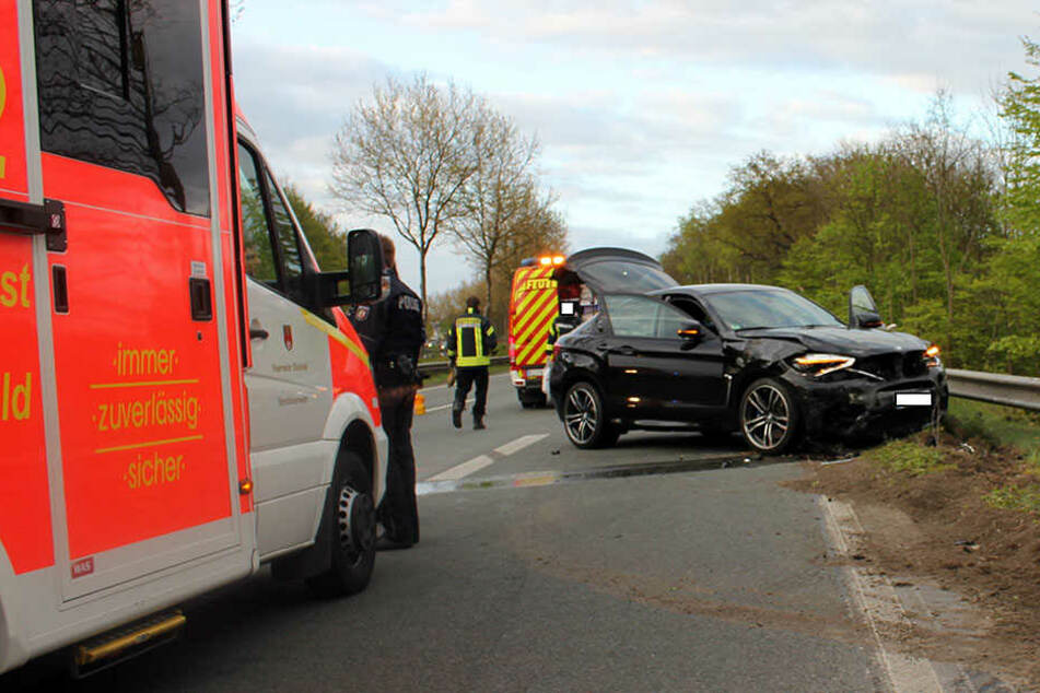 Der BMW des 23-Jährigen erlitt einen Totalschaden.