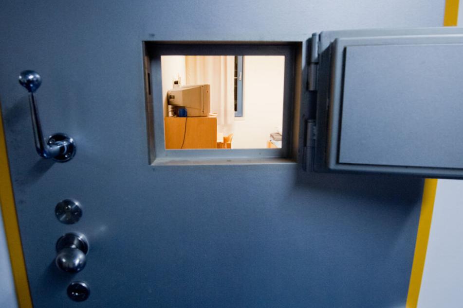 Er soll seine Ex-Frau getötet haben: Mordverdächtiger (50) tot in U-Haft entdeckt