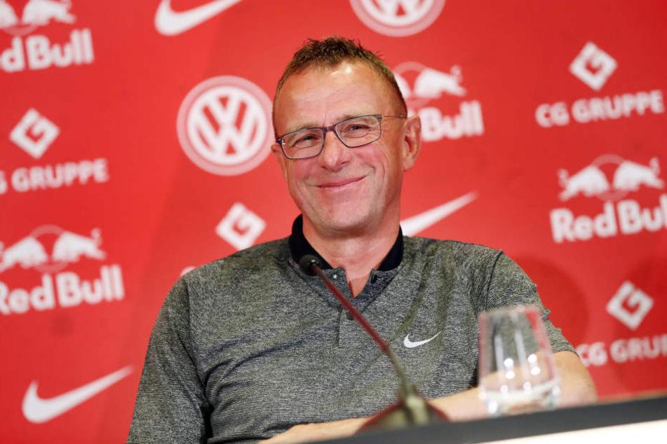 Neuer Anlauf als Übergangstrainer bei RB Leipzig: Sportdirektor Ralf Rangnick (60) wird die Mannschaft für ein Jahr coachen.