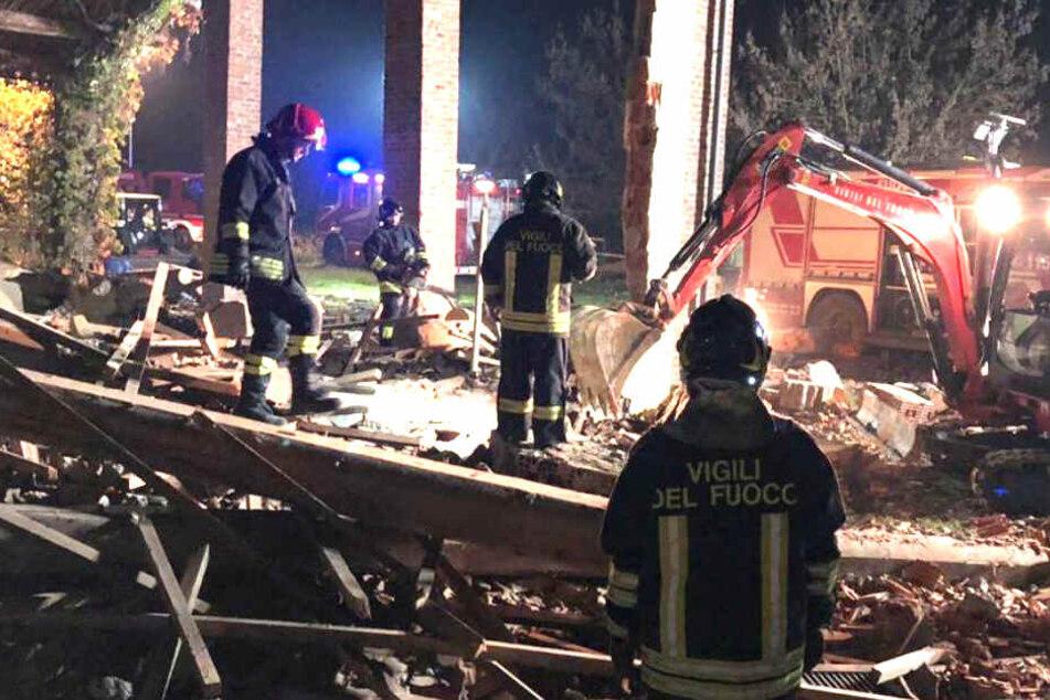 Explosion in Gebäude reißt zwei Menschen in den Tod