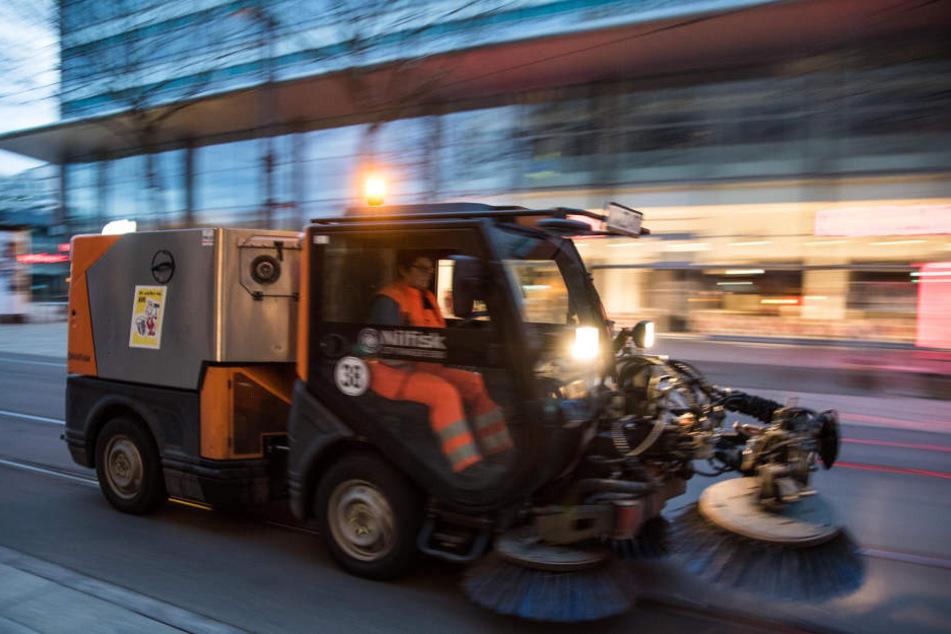 Allein die Müllbeseitigung durch den ASR kostete die CWE 16.600 Euro.