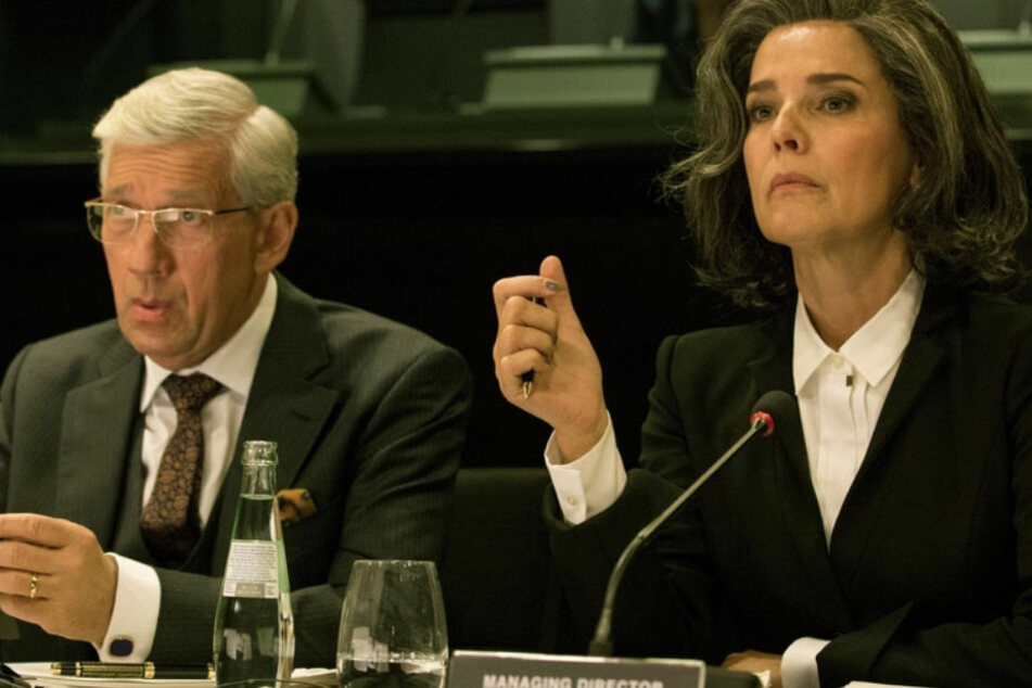 """""""Bad Banks"""" ist der Auftakt für das Serienjahr 2018 im ZDF: Désirée Nosbusch treibt ihr ganz besonders undurchsichtiges Spiel."""