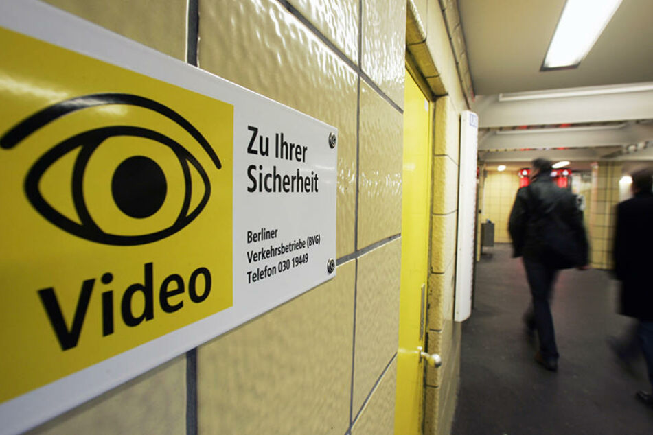 Videoüberwachung soll für zusätzlichen Schutz auf Bahnhöfen und in Verkehrsmitteln sorgen.