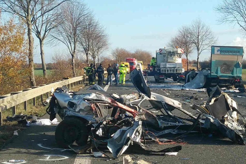 Das Unfallauto wurde stark beschädigt.