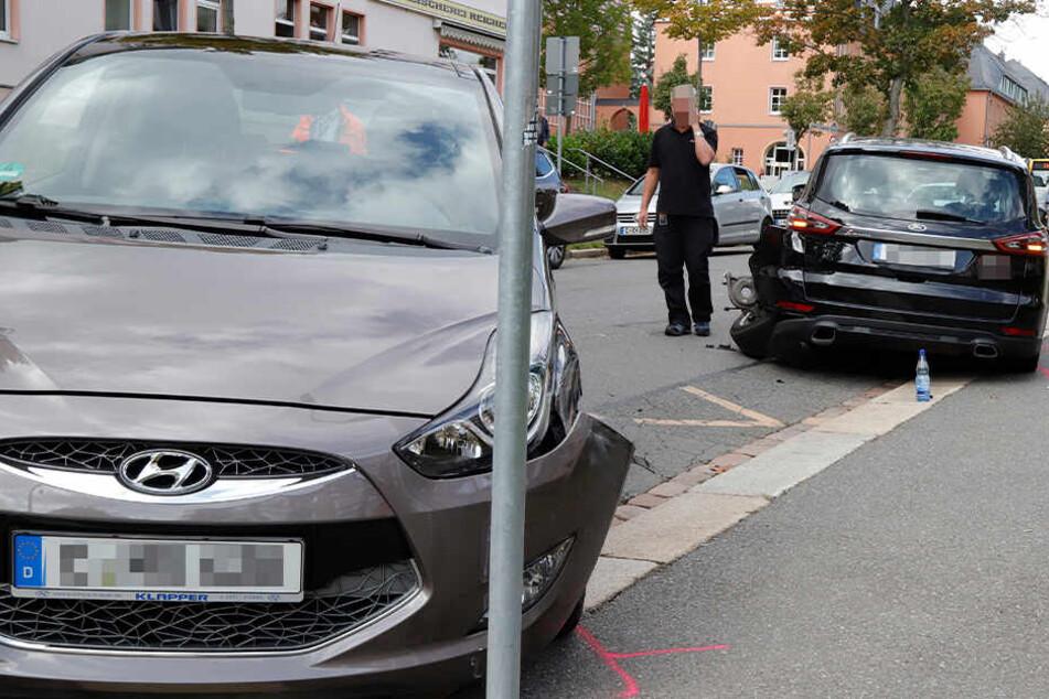 Bei dem Unfall auf der Rudolf-Krahl-Straße gab es einen Verletzten.