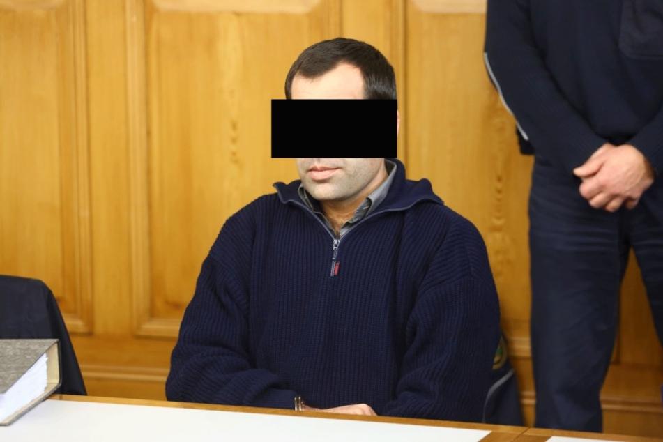 Challeddin M. (33) bestreitet den Mord an seiner Ehefrau Aqele (25).