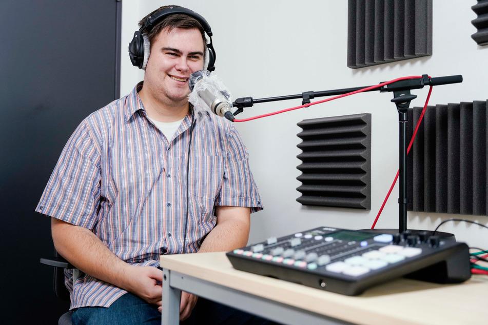 Sebastian Koch im Podcast-Aufnahmestudio.