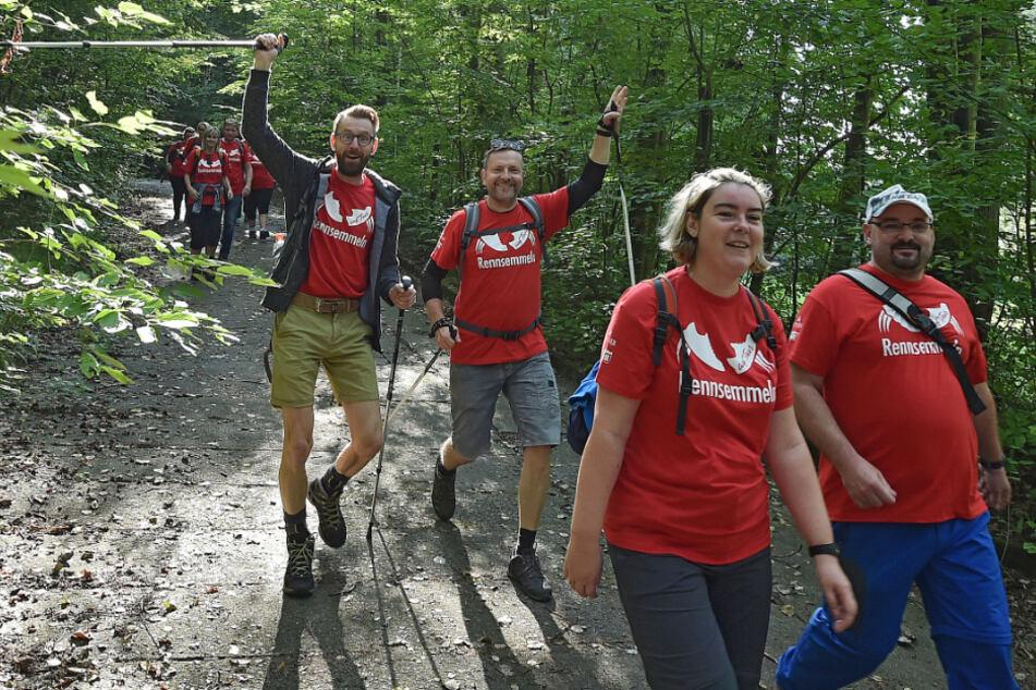 Das Wandern in der Gruppe macht Spaß, auch wenn der Abstand in diesem Jahr größer sein darf.