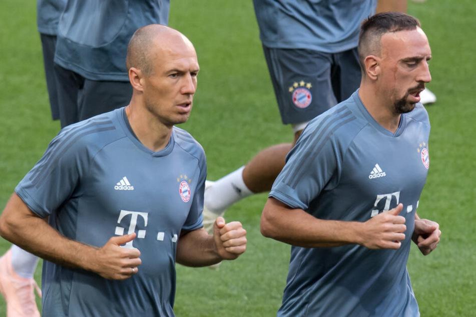 Das Ende einer Ära: Arjen Robben (l) und Franck Ribery werden den FC Bayern nach der Saison verlasen.