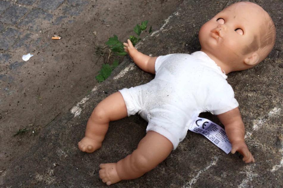 Der Vater missbrauchte erst seine vier Wochen alte Tochter, dann schlug er sie tot.