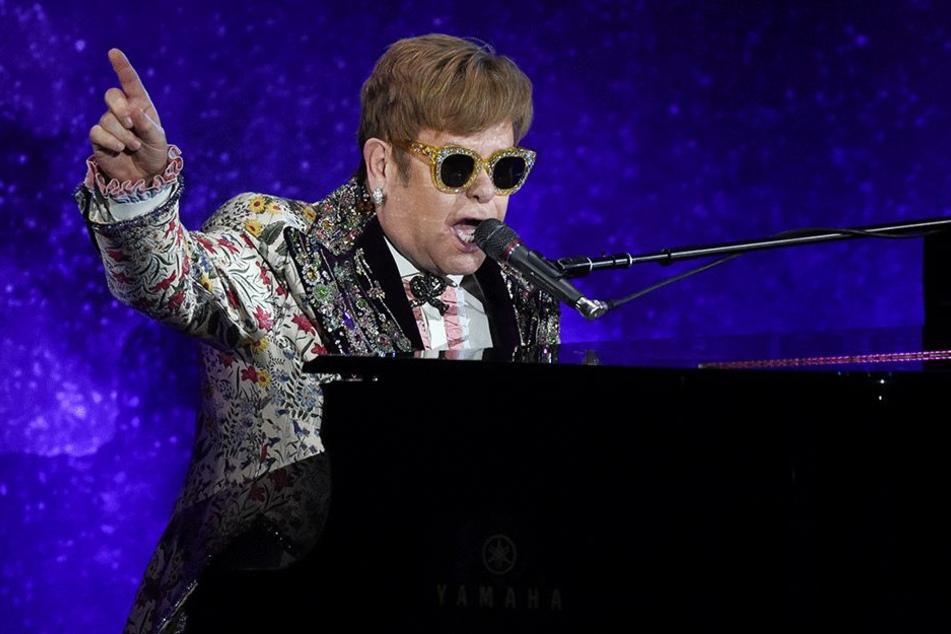 Elton John (70) bei einem seiner Konzerte.
